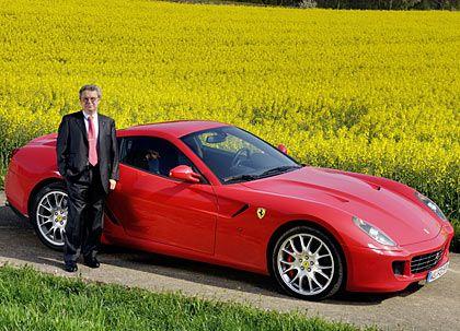 Voll des Lobes: mm-Tester Fischer mit dem Ferrari 599 GTB