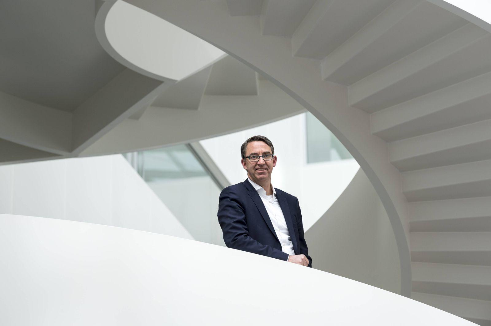 KUKA Bilanzpressekonferenz der KUKA AG Dr Till Reuter Vorstandsvorsitzender Augsburg Bayern Deu