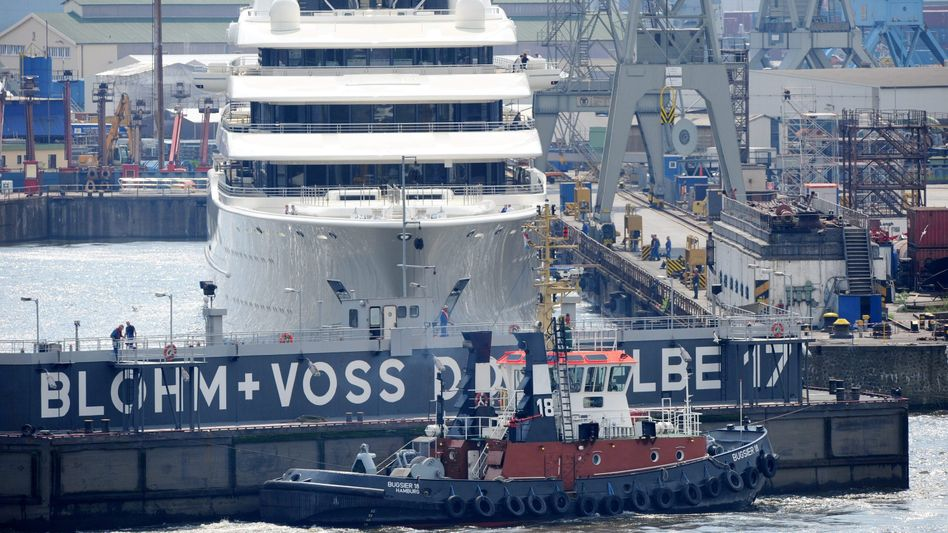 Blohm + Voss-Dock in Hamburg: Gerüchten zufolge kommt der mögliche Investor aus Großbritannien