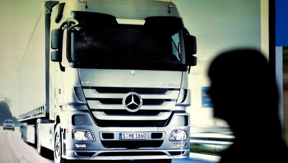 Daimler: Auch an dem Verkauf von Lkw hat Daimler derzeit Freude