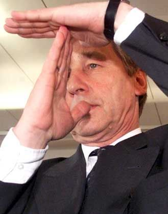 Rheinischer Winkel: Wolfgang Clement folgt Gerhard Schröders Ruf in die Bundespolitik