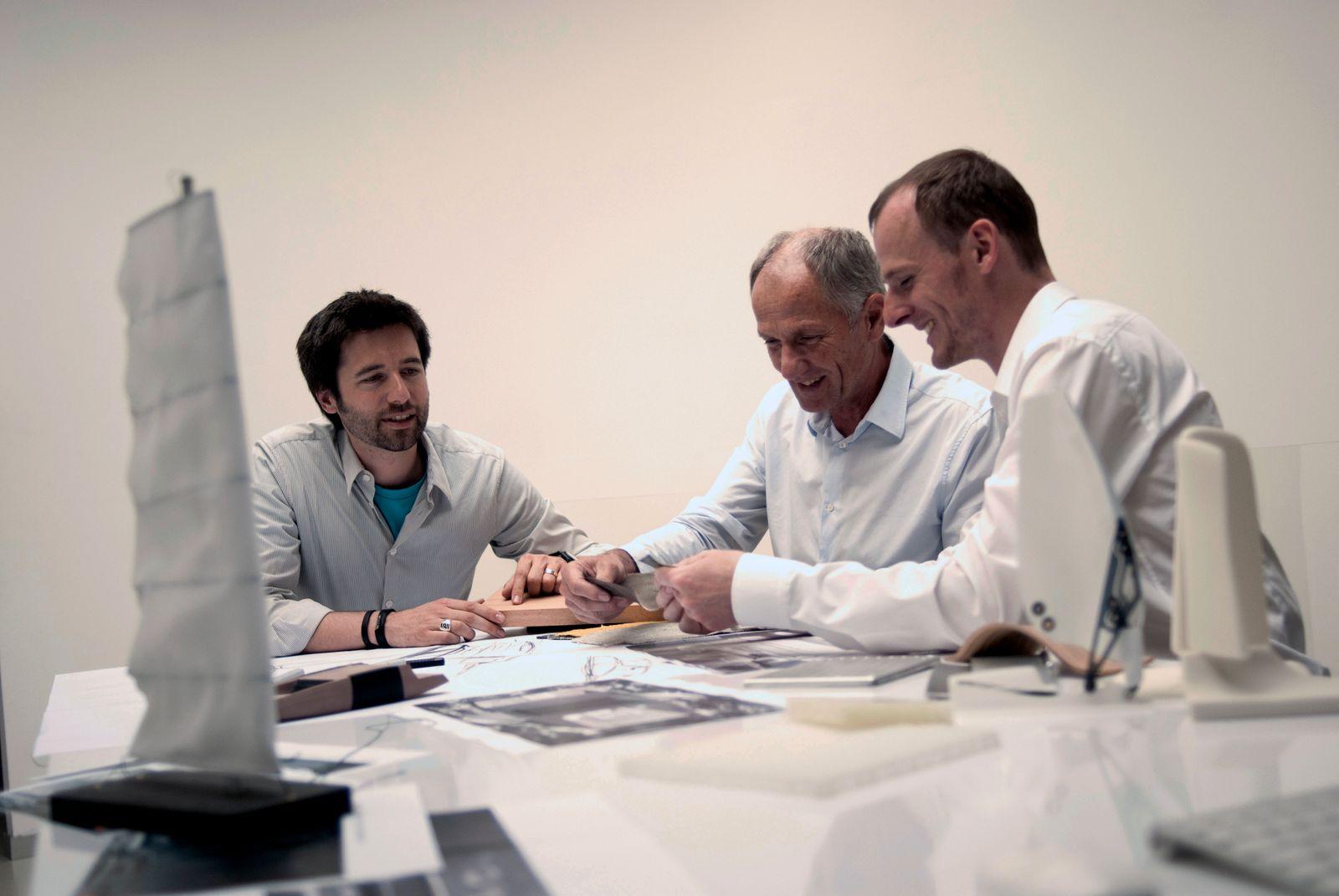 Phoenix-Design / Making of YNEA Katamaran