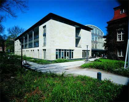 Flügelkämpfe in Hamburg: Einer der beiden Greve-Bauten an der Universität