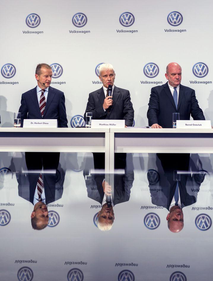 Designierter Konzernchef Herbert Diess, Noch-Amtsinhaber Matthias Müller, Bernd Osterloh (v.l.)
