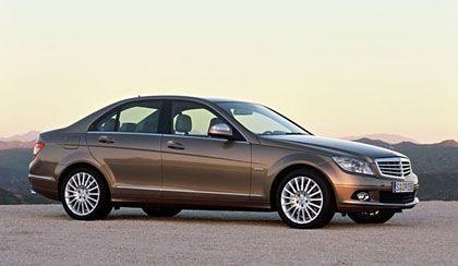 Traditionell: Die Modelle Elegance und Classic tragen den Stern wie bisher auf der Motorhaube
