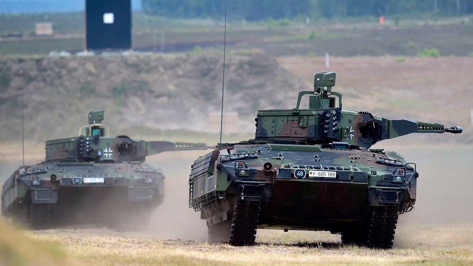 KMW-Nexter: Panzer wie der Puma sind das Metier des Unternehmens. Nun heißt es in der Presse, der deutsch-französische Rüstungskonzern habe die Militär-LKW-Sparte von Volvo ins Visier genommen
