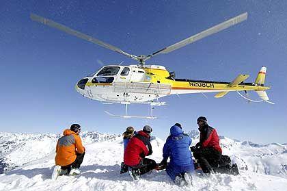 Heli-Skiing: Bei der Landung des Hubschraubers Kopf und Skier einziehen