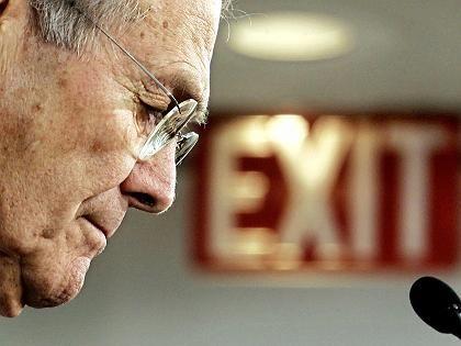 US-Verteidigungsminister Rumsfeld: Militärische Option nicht ausgeschlossen