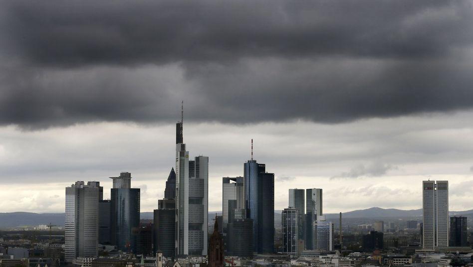 Bankenviertel in Frankfurt: Die Geldhäuser rüsten zum Schlag gegen Paypal, um ihre Versäumnisse in Sachen Online-Payment wettzumachen