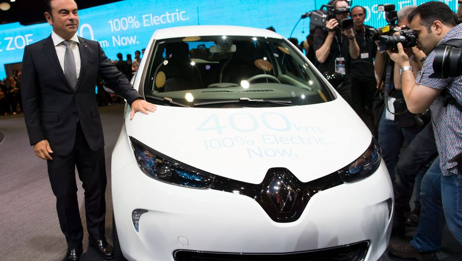 Nissan-Renault Carlos Ghosn, der auch Chef von Mitsubishi werden soll, holt auf