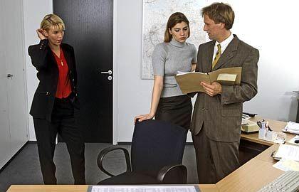 Eisiges Schweigen: Demütigt ein Chef seine Mitarbeiter, folgen selten Widerworte