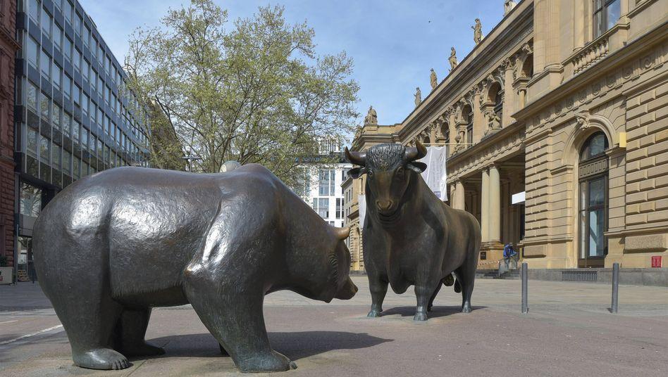 Bulle und Bär vor der Deutsche Börse: Die Anleger haben noch nicht genug