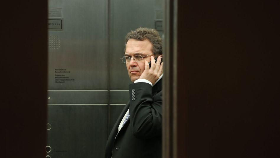 Schlechte Nachrichten: Die Staatsanwaltschaft wird wohl schon am heutigen Mittwoch mit den Ermittlungen gegen Ex-Minister Friedrich beginnen können