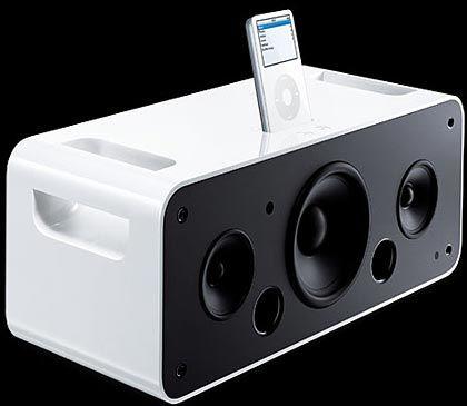 iPod Hifi: Den kleinen digitalen Musikspieler gibt es auch in Verbindung mit einer speziellen Stereoanlage