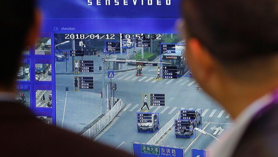 Gesichtserkennungs-Demonstration auf einer Sicherheits-Messe in China