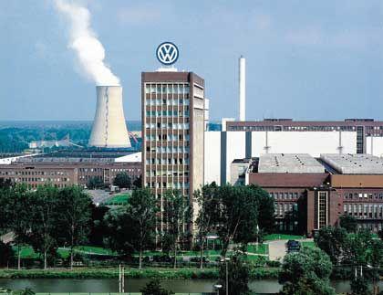 Zentrale in Wolfsburg: Volkswagen ist nicht irgendein TecDax-Unternehmen. Der Konzern ist ein Aushängeschild des Industriestandorts Deutschland.