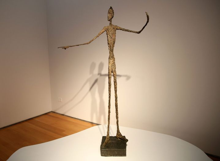 """""""Zeigender Mann"""": Diese Skulptur von Alberto Giacometti ersteigerte Hedgfonds-Milliardär Steven Cohen für 141,3 Millionen Dollar."""
