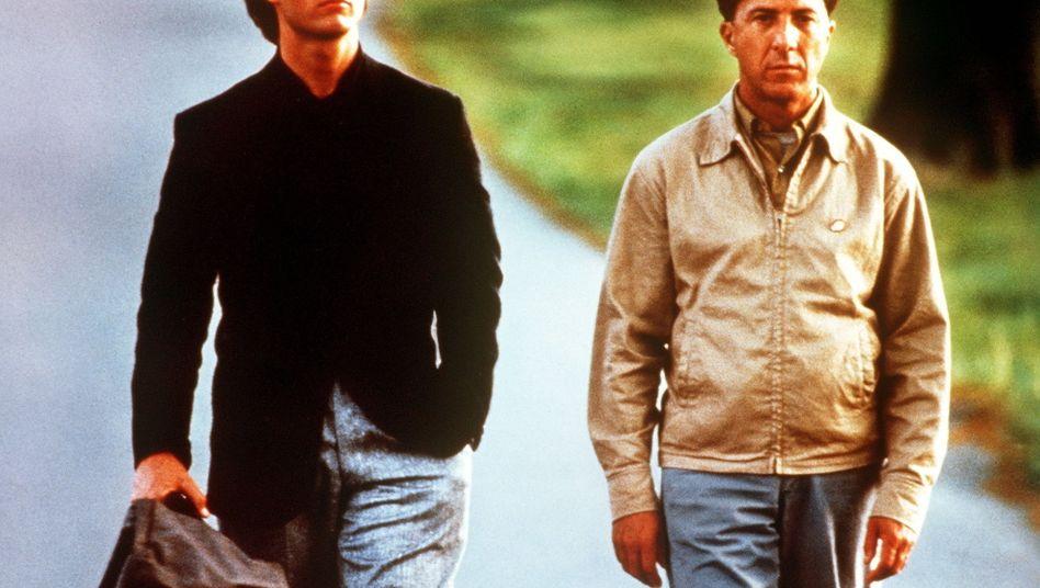 """Der bekannteste Autist der Filmgeschichte: Dustin Hoffmann (links, neben Tom Cruise) in """"Rain Man"""""""
