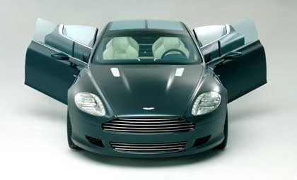 Vier Türen sind genug: Das klassische Öffnungsschema einer Limousine kombiniert der Aston Martin Rapide mit den Proportionen eines Coupés