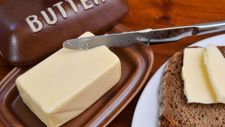 Die Inflation in Deutschland hat sich trotz drastischer Preissprünge bei vielen Nahrungsmitteln, allen voran Butter, leicht abgeschwächt