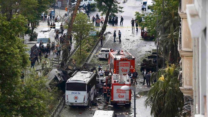 Mutmaßlicher Anschlag in Istanbul: Explosion in der Rushhour
