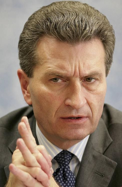 """Ministerpräsident Oettinger: """"Mehr Respekt für Porsche"""""""