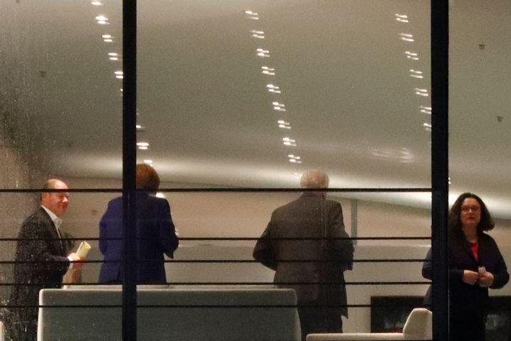 Krisentreffen im Kanzleramt: Olaf Scholz (v.l.), Angela Merkel, Horst Seehofer und Andrea Nahles