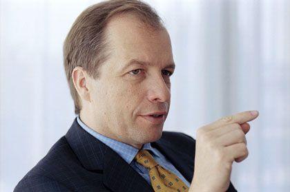 Millionenschwere Abfindung: Stefan Jentzsch leitete die Investmentbank Dresdner Kleinwort, die Milliardenverluste produzierte. Er soll eine acht Millionen Euro hohe Abfindung bekommen haben. Auf mögliche Boni für das Jahr 2008 hatte der Manager nach öffentlichem Druck allerdings verzichtet.