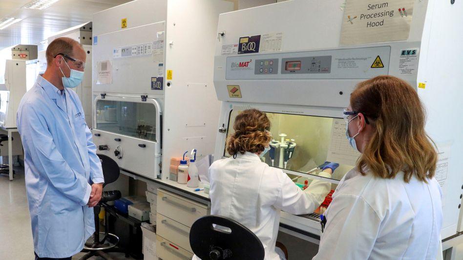 Laboratory Royale: Besuch des britischen Prinzen William im Labor der Oxford Vaccine Group am 24. Juni 2020