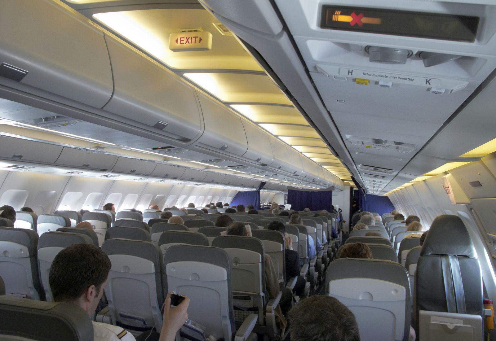 Flugzeug / Sitzreihen