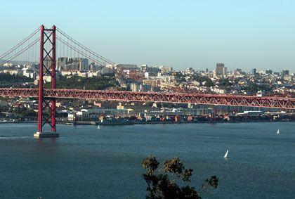 Lissabon: Von den Steuererhöhungen sollen lediglich jene Bürger verschont bleiben, die das Mindestgehalt von 475 Euro beziehen