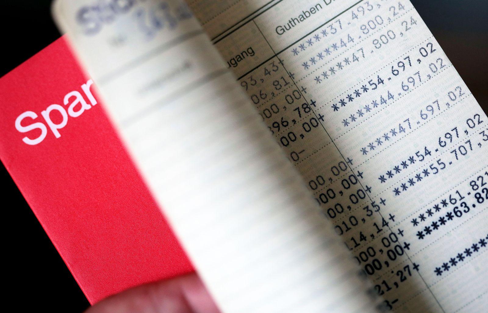 Geld / Vermögen / Sparbuch - Zinsen