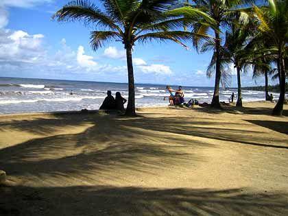 Traumstrand zum Entspannen: Manzanilla Bay an der Ostküste Trinidads