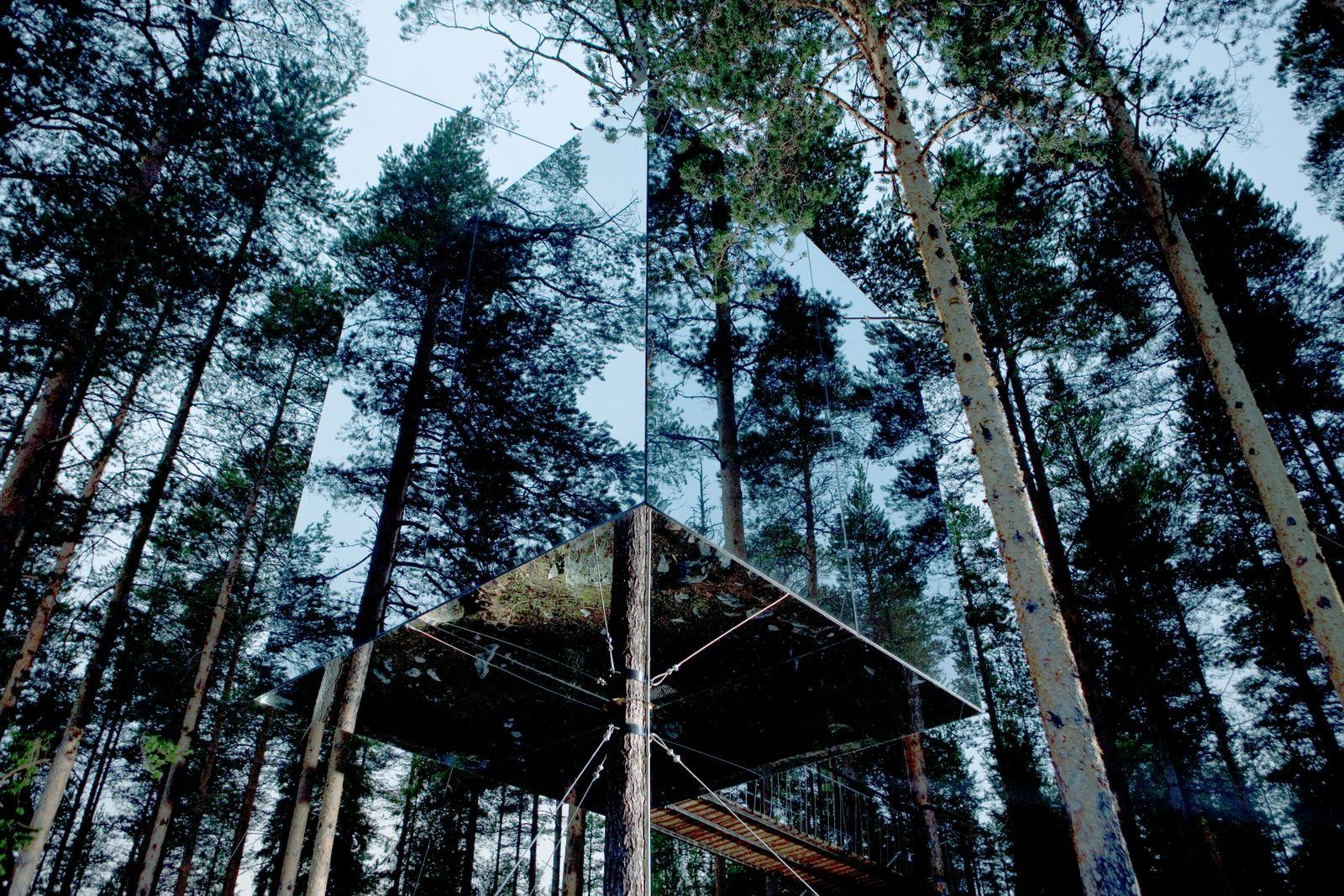 p.126-27_PhotoKentLindvall,StayWild,CanopyandStars,gestalten2021