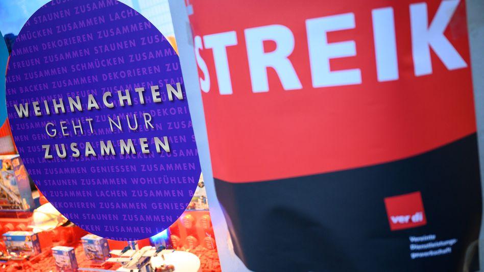 In 68 Filialen von Kaufhof, 16 Filialen von Karstadt Sports sowie in Filialen von Karstadt Feinkost wird am heutigen Donnerstag gestreikt