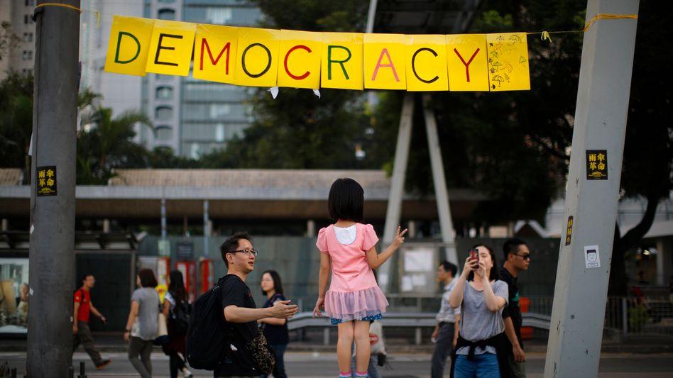 """Proteste in Hongkong: Mit dem """"Sicherheitsgesetz"""" untergräbt China bereits die Rechtstaatlichkeit in der ehemaligen britischen Kolonie. Bald könnte eine Attacke Pekings auf Taiwan folgen"""
