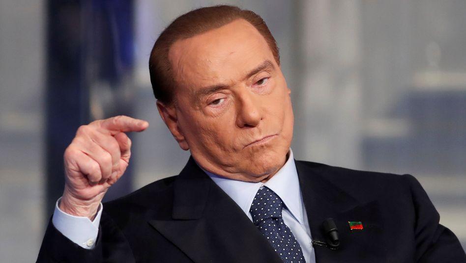 Silvio Berlusconi: Die Stimmung ist mies, die wirtschaftliche Lage katastrophal - gute Comeback-Chancen für den Cavaliere