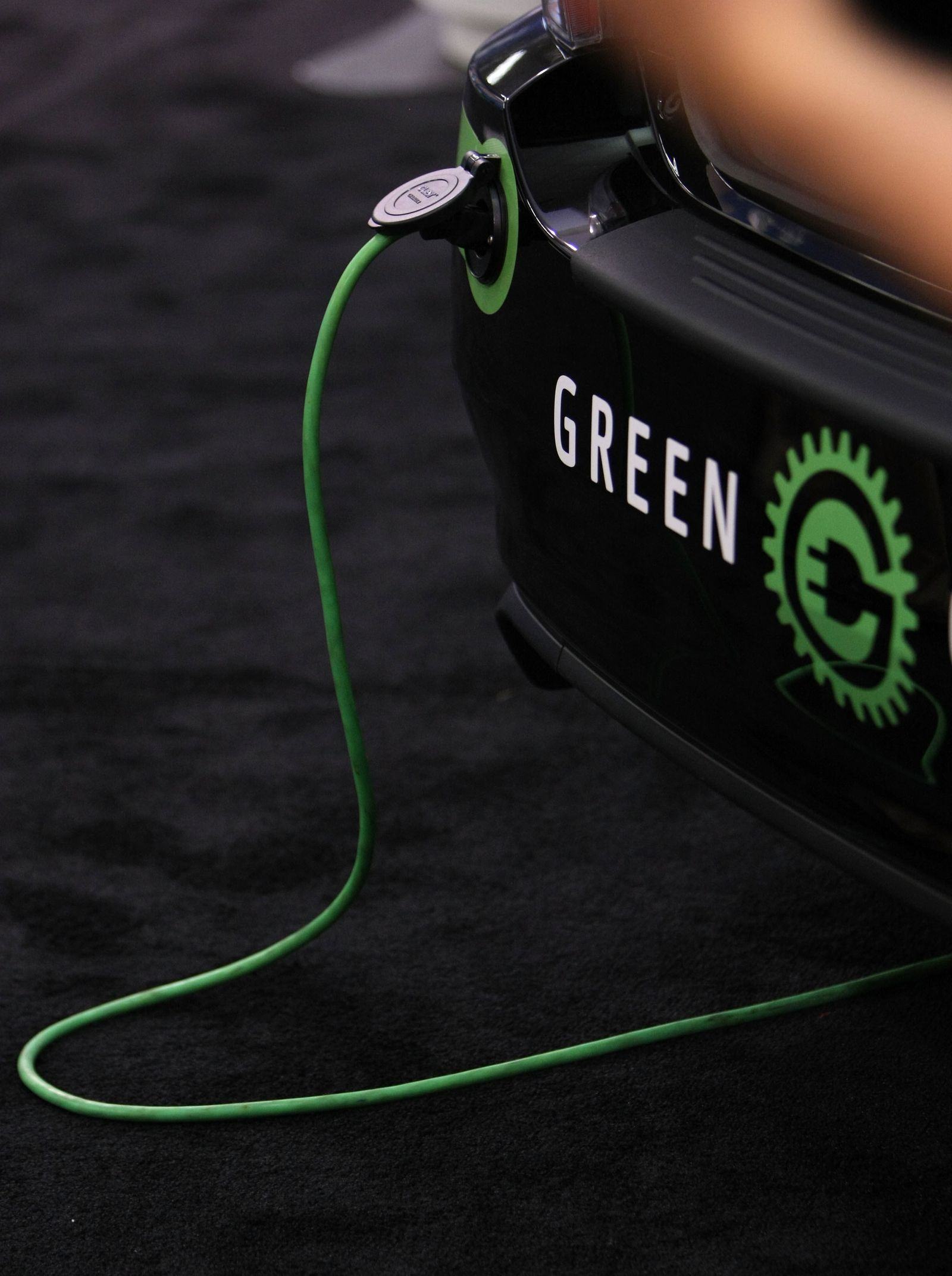 PLUG-IN 2008 CONFERENCE AND EXPO HIGHLIGHTS LATEST HYBRID ELECTRIC CAR