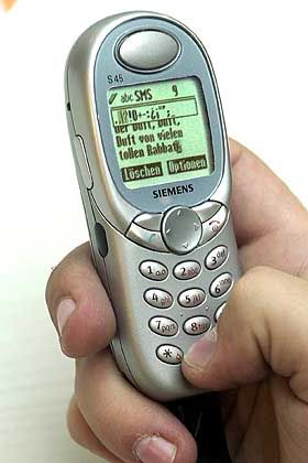 Kandidat 6: T-Mobile. Im Januar erhöhte T-Mobile die Preise für SMS um satte 138 Prozent - und ruderte bereits am nächsten Tag zurück.