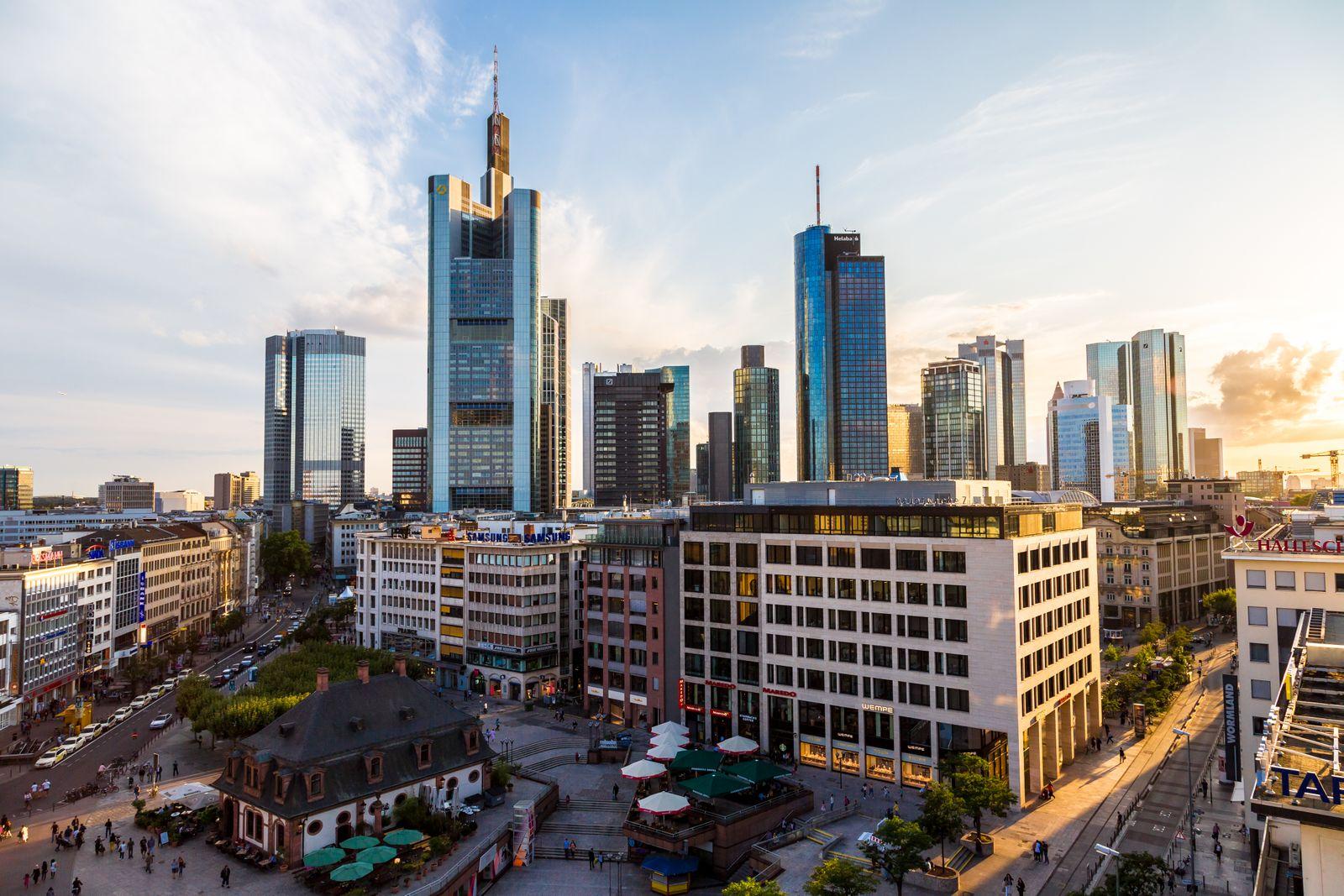 Frankfurt / Skyline / City / Stadtansicht / Innenstadt