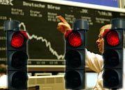 Rot, rot, rot: Die Aktienkurse in Frankfurt geben am Montag auf breiter Front nach.