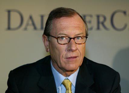 DaimlerChrysler-Chef Schrempp: Riesenprobleme bei Mitsubishi