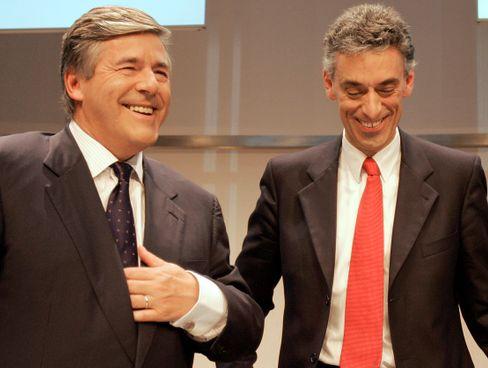Man war sich einig: Deutsche-Bank-Chef Josef Ackermann (links) und Post-Chef Frank Appel bei einer gemeinsamen Pressekonferenz am 12. September 2008