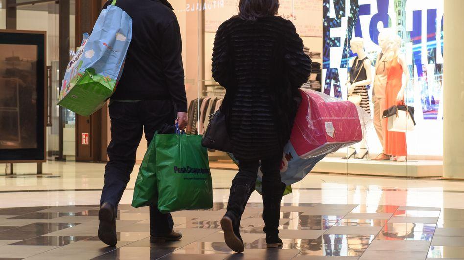 """Konsum in Deutschland: """"Die befristete Senkung der Mehrwertsteuer führt zum Vorziehen von Konsum"""""""
