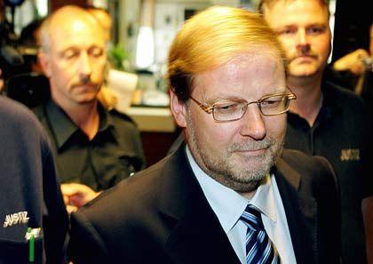 """""""Es trifft zu"""": Der Ex-SPD-Abgeordnete Uhl legte ein Geständnis ab"""