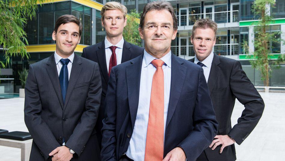 Wirtschaftsprüfer: Bilanzforscher Pellens (vorn) mit seinen Assistenten Rüthers, Rowoldt und Lehmann