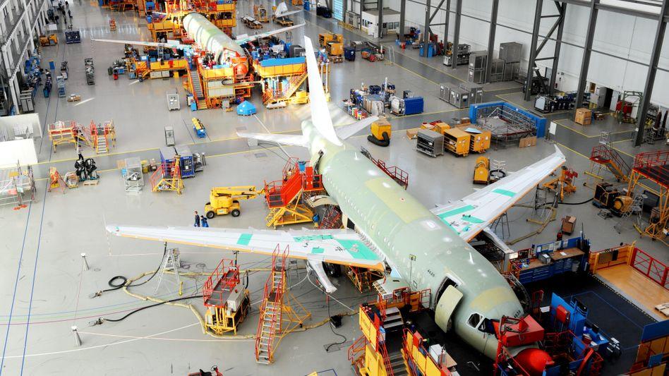 Flugzeugbau bei Airbus: Der Markt für Pfandbriefe, die mit Flugzeugen besichert sind, könnten eine Milliarde Euro jährlich schwer sein