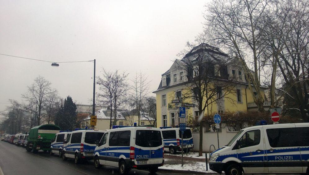 Staatlicher Besuch bei S&K: Bilder von der Razzia in Frankfurt