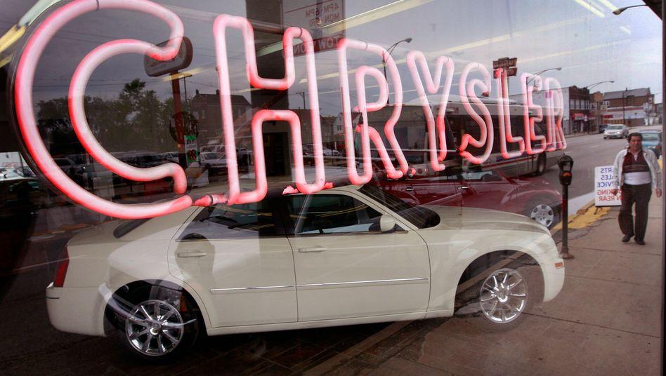 Chrysler-Händler in Chicago: Der Autobauer hat im ersten Quartal 2011 erstmals seit der Insolvenz 2009 wieder Gewinn eingefahren