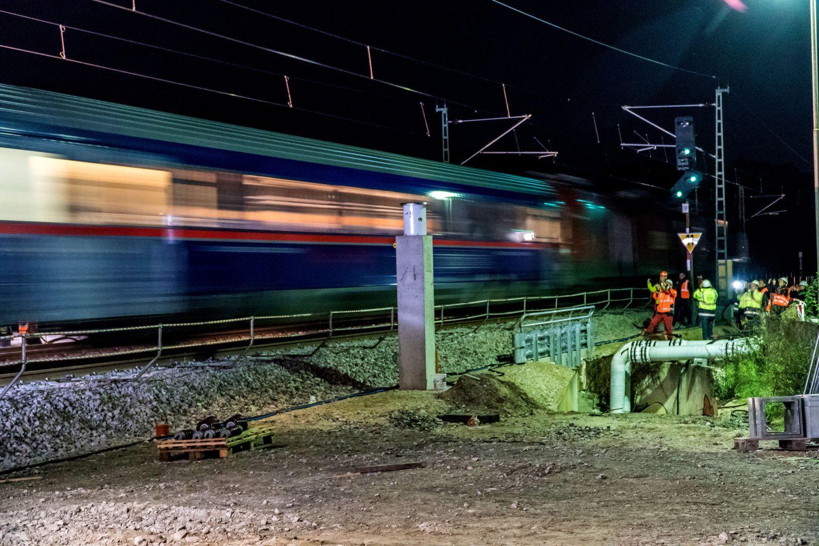 Zugbetrieb auf der Rheintalbahn wieder angelaufen